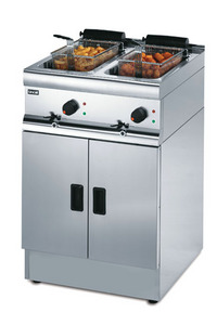 Lincat J18 Silverlink 600 Free Standing Twin Tank Fryer (Electric) with 2 Baskets-0