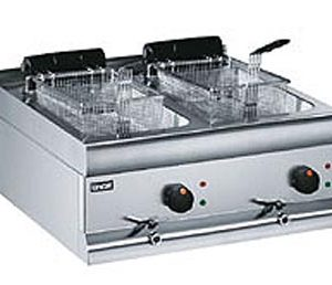 Lincat DF66 Silverlink 600 Counter Top Twin Tank Fryer with 2 Baskets-0